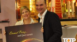 Christina und Holger Kirsch stellen das Sessionsbuch vor