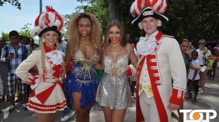 Tanzpaar der Prinzen-Garde mit Tänzerinnen aus Brasilien