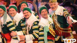Präsident Jörg Mangen genießt mit seinen Mannen die Kostümsitzung