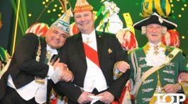 Präsident Haumann, Prinzenführer Schlott und Adjutant Marx genießen den Moment