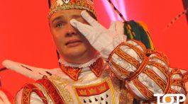 Prinz Michael II. (Gerhold) voller Emotionen auf der Bühne der Großen von 1823